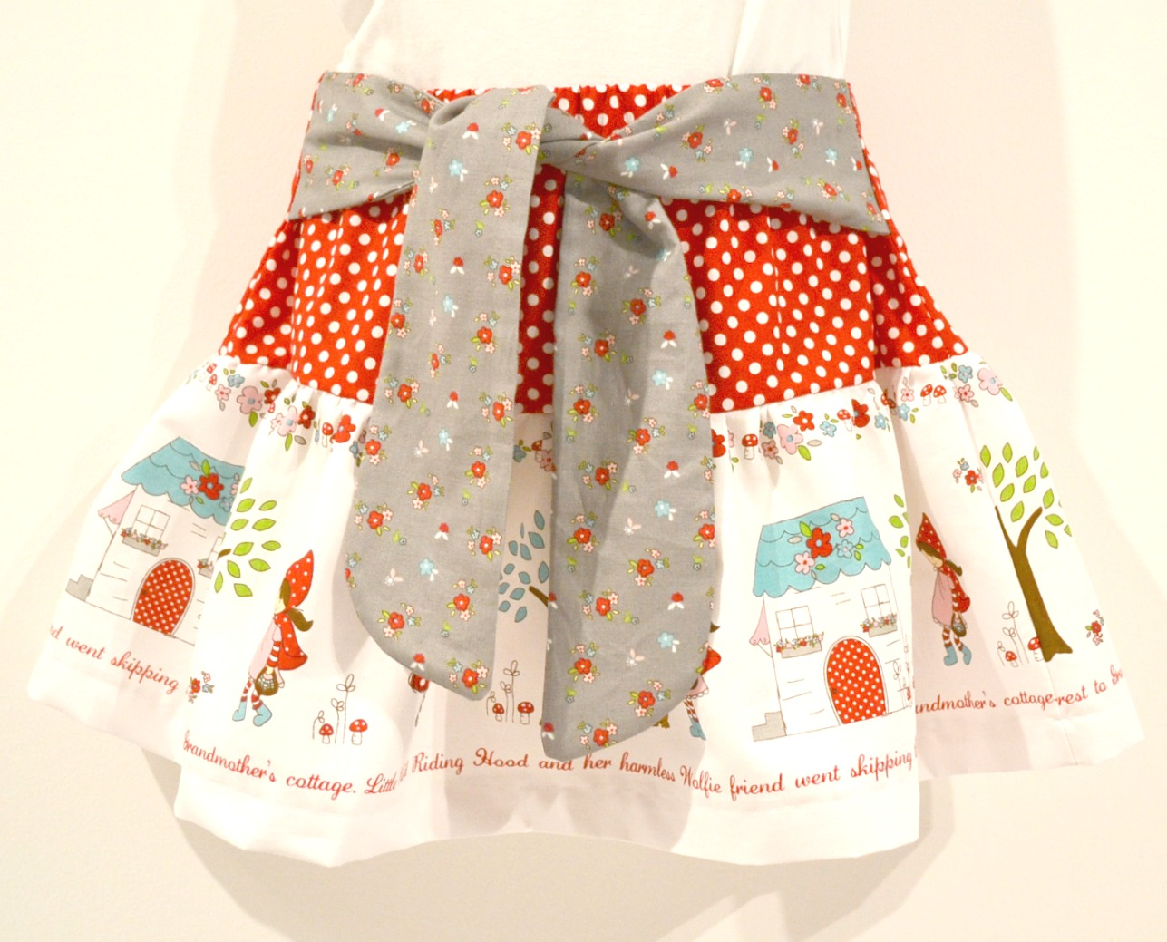 Free pattern and tutorial girls cape and skirt skirt jeuxipadfo Image collections