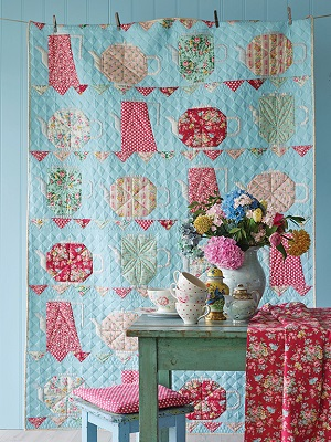 Tilda Apple Butter Teapot Quilt Kit in Sky