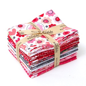 Riley Blake Designs - Lovebugs - Fat Quarter Bundle of 14 Pieces