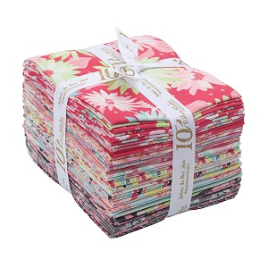 Riley Blake Designs Paper Daisies Fat Quarter Bundle of 21 Pieces
