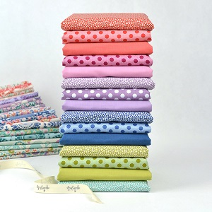 Tilda Fat Quarter Bundle of 15 fabrics Dots, Trickles & Solids co-ordinating with LazyDays