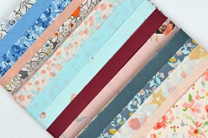 Robert Kaufman - Cotton Lawn Fat Quarter Bundle of 15 in Pastels
