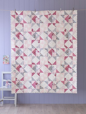 Tilda Old Rose Soft Star Quilt Kit in Red/Grey