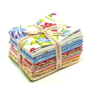 Riley Blake Designs - Floribella - Fat Quarter Bundle of 18 Pieces