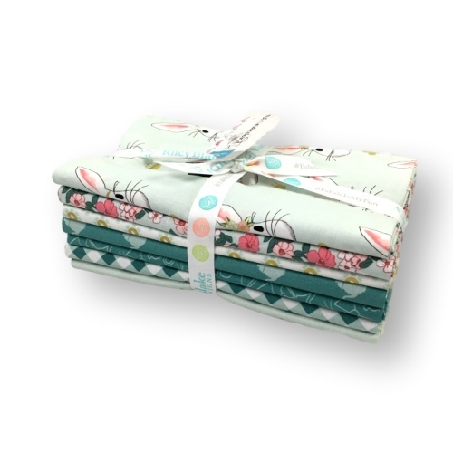 Riley Blake Designs - Wonderland 2 - 1 Yard Bundle in Mint
