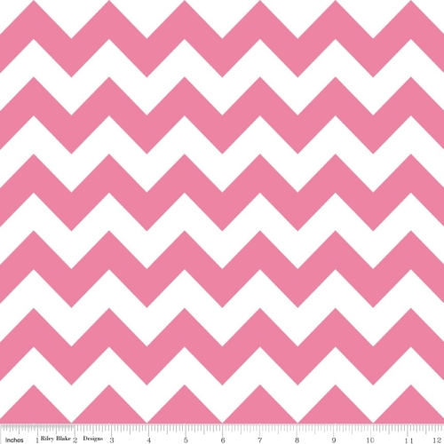 Riley Blake Designs - Medium Chevron in Hot Pink