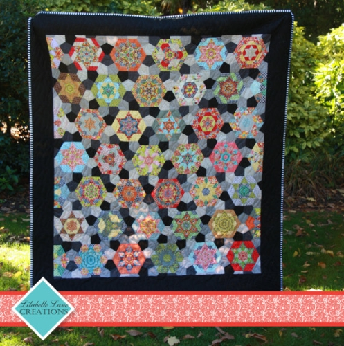 Southern Aurora Quilt Kit (Pattern, EPP Templates, Papers and Fabrics)