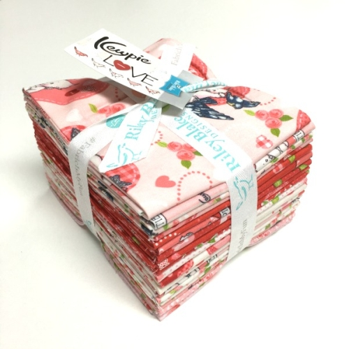 Riley Blake Designs - Kewpie Love Fat Quarter Bundle 21 Pieces