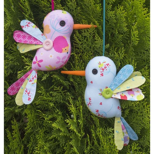 Melly and Me - Hum along - Humming Bird Softie Pattern
