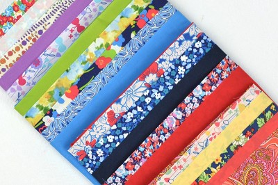 Robert Kaufman - Cotton Lawn Fat Quarter Bundle of 20 in Brights