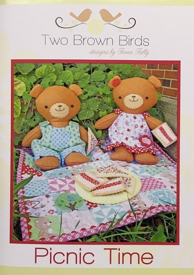 Two Brown Birds - Picnic Time Pattern