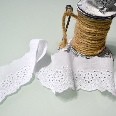 Cotton Broderie Anglaise Lace Scallop Edge - White 5cm